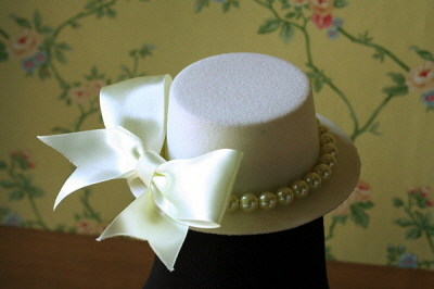 Mini palariuta mireasa decorata cu perle